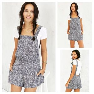 ALICE & UO Urban Outfitters Bamboo Romper 4